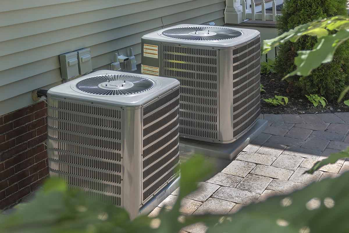 ac and heating units outside of home