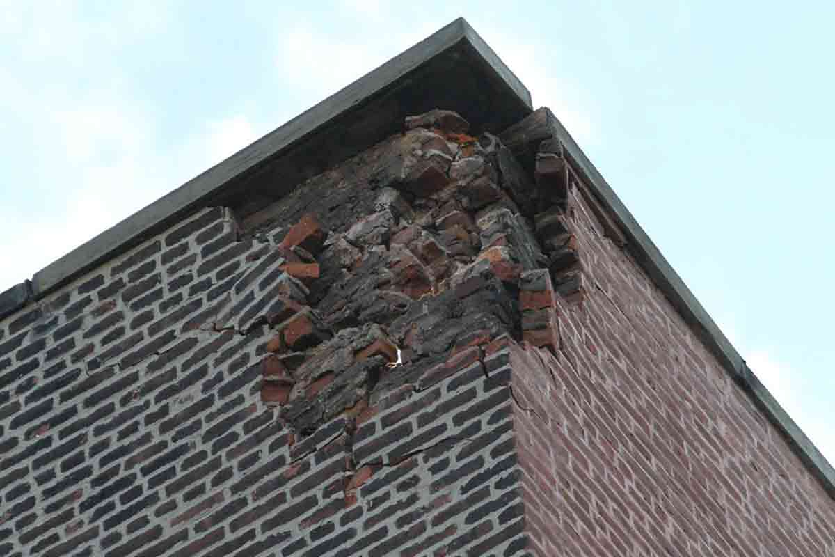 lightning damage on brick building