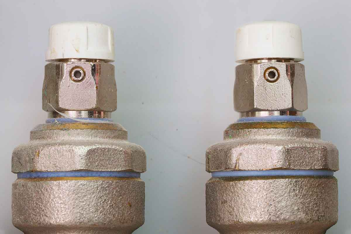 plumbing pipe air valves