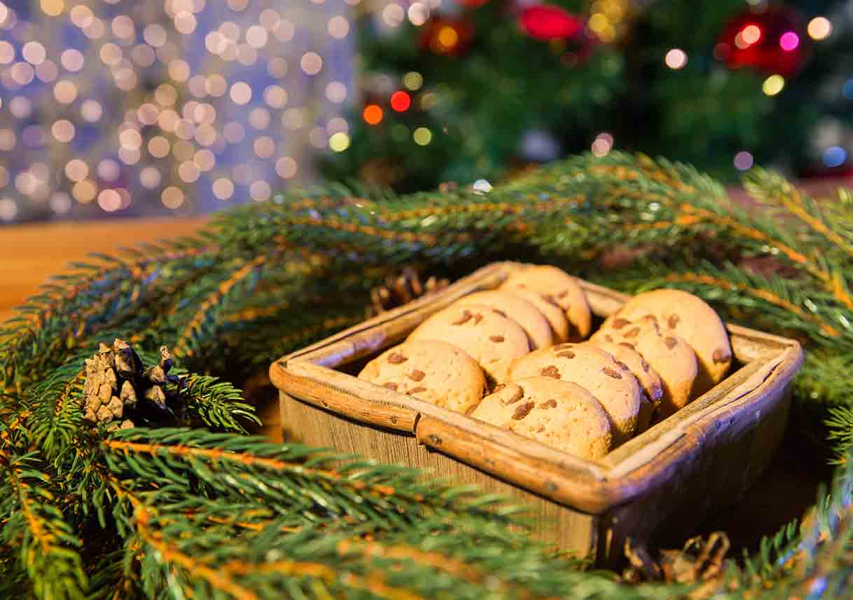 cookies in box with natural wreath