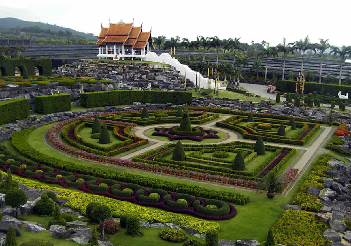 10 Famous Gardens Around The World